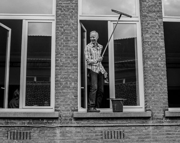 laver des vitres laver ses vitres l 39 eau astuces pour des vitres impeccables ventes de fen. Black Bedroom Furniture Sets. Home Design Ideas